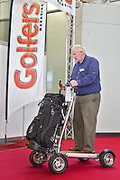 AMSTERDAM - Nieuw soort vierwiel golfkar, trolley, buggy, op Golfbeurs , Amsterdam Golf Show, in de Amsterdamse Rai. COPYRIGHT KOEN SUYK