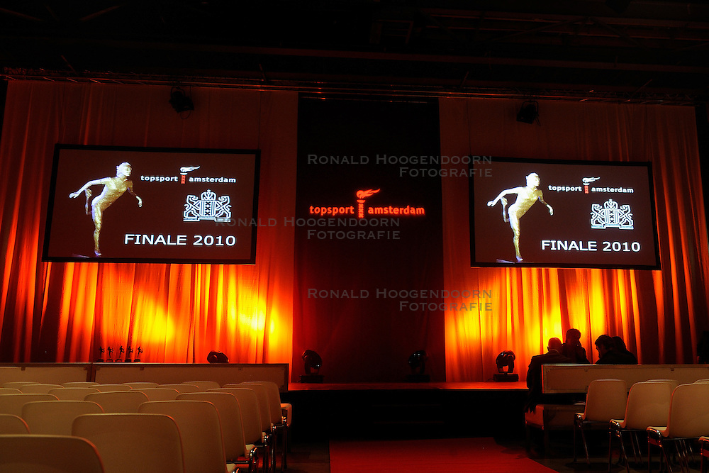 13-12-2010 ALGEMEEN: TOPSPORT GALA AMSTERDAM: AMSTERDAM<br /> In de Westergasfabriek werd het gala van de beste sportman, -vrouw, coach en ploeg gekozen <br />  2010©2010-WWW.FOTOHOOGENDOORN.NL
