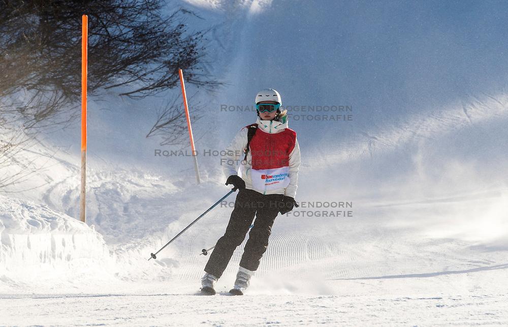 25-01-2017 AUT: BvdGF wintersportkamp dag 1, Obertauern<br /> Het 7de jaar wintersportkamp van de BvdGF is verhuisd naar Obertauern. Prachtige pistes, geweldig jeugdhotel en fantastisch weer maakt er weer een onvergetelijk kamp van /