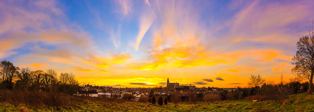 Last night's sunset over Armagh was truly astonishing and one of those that gave the full variety of fascinating colours as dusk gave way to nightfall.<br />