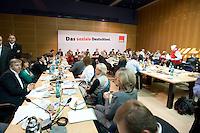 08 SEP 2008, BERLIN/GERMANY:<br /> Sitzungssaal vor Beginn einer Sitzung des SPD Parteivorstandes nach dem Reucktritt von K urt B eck, Willy-Brandt-Haus<br /> IMAGE: 20080908-02-044<br /> KEYWORDS: Saal, Übersicht, Uebersicht