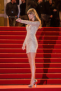 Taylor Swift sur le tapie rouge des NRJ music awards a Cannes.Taylor Swift attends the red carpert for the NRJ Musc Awards.