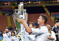 FUSSBALL  CHAMPIONS LEAGUE  FINALE  SAISON 2015/2016   Real Madrid - Atletico Madrid                   28.05.2016 Cristiano Ronaldo (Real Madrid) jubelt mit dem Pokal