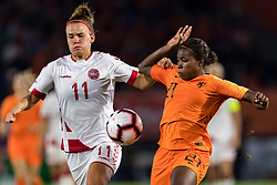 (L-R) Katrine Veje of Denmark women, Lineth Beerensteyn of The Netherlands women during the FIFA Women's World Cup 2019 play off first leg qualifying match between The Netherlands and Denmark at the Rat Verlegh stadium on October 05, 2018 in Breda, The Netherlands