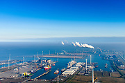 Nederland, Groningen, Eemshaven, 04-11-2018; overzicht Eemshaven met   Julianahaven (links), Emmahaven (rechts) en Wilhelminahaven (rechtsachter).<br /> Eems harbour, overview.<br /> <br /> luchtfoto (toeslag op standaard tarieven);<br /> aerial photo (additional fee required);<br /> copyright© foto/photo Siebe Swart