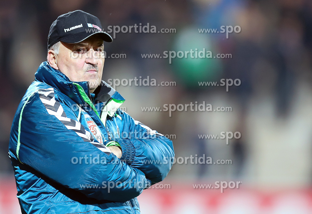 12.03.2016, Keine Sorgen Arena, Ried, AUT, 1. FBL, SV Josko Ried vs SCR Altach, 27. Runde, im Bild Trainer Paul Gludovatz (SV Ried) // during the Austrian Football Bundesliga 27th Round match between SV Josko Ried and SCR Altach at the Keine Sorgen Arena in Ried, Austria on 2016/03/12. EXPA Pictures © 2016, PhotoCredit: EXPA/ Roland Hackl