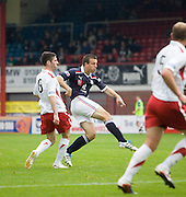 Gavin Rae fires in a shot - Dundee v Ross County..© David Young.5 Foundry Place.Monifieth.Angus.DD5 4BB.Tel: 07765 252616.email: davidyoungphoto@gmail.com.http://www.davidyoungphoto.co.uk