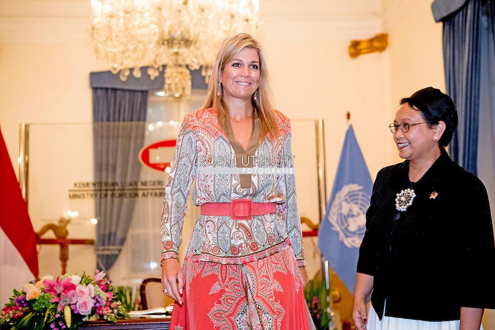 30-8-2016 JAKARTA - Koningin Maxima minister of foreign affairs  mrs Retno L.P. Marsudi Koningin Maxima bezoekt van dinsdag 30 augustus tot en met donderdag 1 september de Republiek Indonesi&euml; in haar functie van speciale pleitbezorger van de secretaris-generaal van de Verenigde Naties voor Inclusieve Financiering voor Ontwikkeling.  COPYRIGHT ROBIN UTRECHT<br /> 30-8-2016 JAKARTA - Queen Maxima visit on Tuesday, August 30th to Thursday, September 1st, the Republic of Indonesia in its role of special advocate of the Secretary-General of the United Nations for Inclusive Finance for Development. COPYRIGHT ROBIN UTRECHT