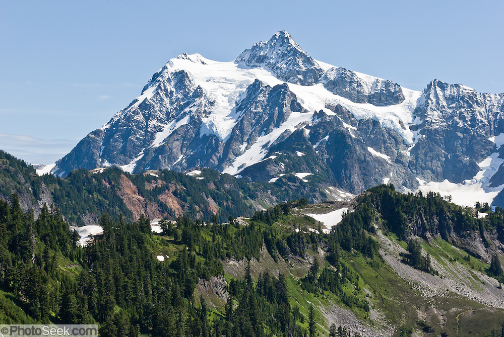 Mount Shuksan (9127 feet elevation), North Cascades National Park, Washington, USA