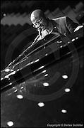 Berlin, DEU, 04.11.2000: Jazz Music , Bey, Andy, voc, p, JazzFest 2000, Haus der Kulturen der Welt, HKW, Berlin, 04.11.2000 ( Keywords: Musiker ; Musician ; Musik ; Music ; Jazz ; Jazz ; Kultur ; Culture ) ,  [ Photo-copyright: Detlev Schilke, Postfach 350802, 10217 Berlin, Germany, Mobile: +49 170 3110119, photo@detschilke.de, www.detschilke.de - Jegliche Nutzung nur gegen Honorar nach MFM, Urhebernachweis nach Par. 13 UrhG und Belegexemplare. Only editorial use, advertising after agreement! Eventuell notwendige Einholung von Rechten Dritter wird nicht zugesichert, falls nicht anders vermerkt. No Model Release! No Property Release! AGB/TERMS: http://www.detschilke.de/terms.html ]