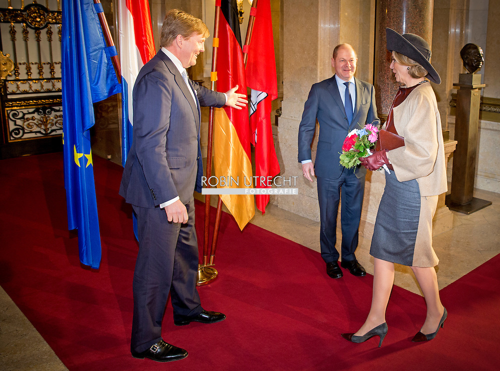 King Willem-Alexander and Queen Maxima of The Netherlands visit mayor Olaf Scholz at the city hall of Hamburg, Germany, 19 March 2015. The king and queen visit Schleswig-Holstein in Germany 19 and 20 March. COPYRIGHT ROBIN UTRECHT