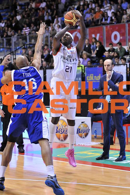DESCRIZIONE : Biella Lega A 2012-13 Angelico Biella Lenovo Cantu<br /> GIOCATORE : Kevinn Pinkney<br /> CATEGORIA : Tiro Three Points<br /> SQUADRA : Angelico Biella <br /> EVENTO : Campionato Lega A 2012-2013 <br /> GARA : Angelico Biella Lenovo Cantu<br /> DATA : 07/04/2013<br /> SPORT : Pallacanestro <br /> AUTORE : Agenzia Ciamillo-Castoria/S.Ceretti<br /> Galleria : Lega Basket A 2012-2013  <br /> Fotonotizia : Biella Lega A 2012-13 Angelico Biella Lenovo Cantu<br /> Predefinita :