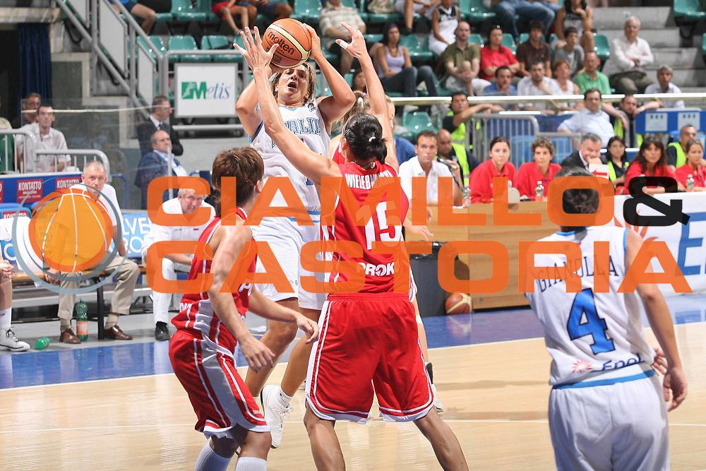 DESCRIZIONE : Bologna Qualificazione Eurobasket Women 2009 Italia Polonia <br /> GIOCATORE : Manuela Zanon <br /> SQUADRA : Nazionale Italia Donne <br /> EVENTO : Raduno Collegiale Nazionale Femminile<br /> GARA : Italia Polonia Italy Poland <br /> DATA : 30/08/2008 <br /> CATEGORIA : tiro <br /> SPORT : Pallacanestro <br /> AUTORE : Agenzia Ciamillo-Castoria/M.Marchi <br /> Galleria : Fip Nazionali 2008 <br /> Fotonotizia : Bologna Qualificazione Eurobasket Women 2009 Italia Polonia <br /> Predefinita :