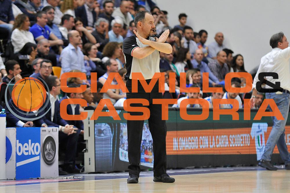 DESCRIZIONE : Beko Legabasket Serie A 2015- 2016 Playoff Quarti di Finale Gara3 Dinamo Banco di Sardegna Sassari - Grissin Bon Reggio Emilia<br /> GIOCATORE : Maurizio Biggi<br /> CATEGORIA : Arbitro Referee Ritratto<br /> SQUADRA : AIAP<br /> EVENTO : Beko Legabasket Serie A 2015-2016 Playoff<br /> GARA : Quarti di Finale Gara3 Dinamo Banco di Sardegna Sassari - Grissin Bon Reggio Emilia<br /> DATA : 11/05/2016<br /> SPORT : Pallacanestro <br /> AUTORE : Agenzia Ciamillo-Castoria/C.Atzori