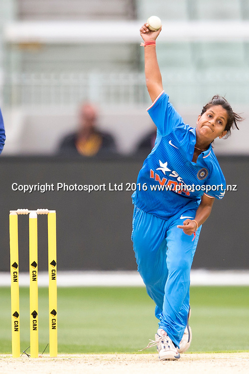India's Anuja Patil in action during the Women's Twenty20 match between Australia and India at the MCG in Melbourne, Australia. Friday 29 January 2016. Copyright photo: Raghavan Venugopal / www.photosport.nz