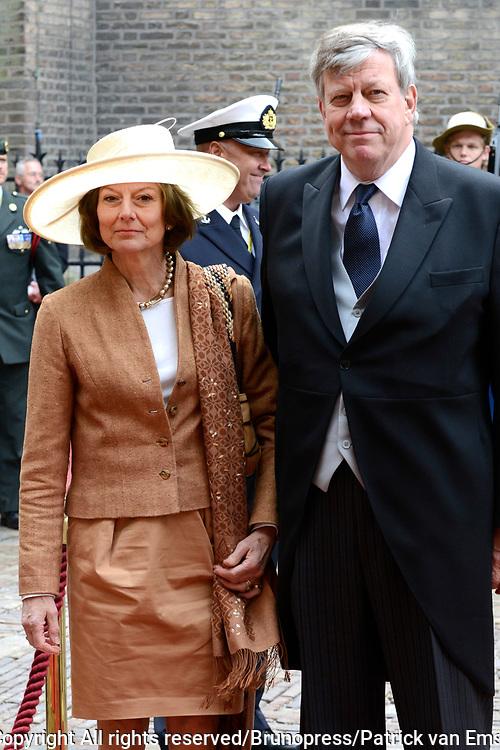 Prinsjesdag 2013 - Aankomst Parlementari&euml;rs bij de Ridderzaal op het Binnenhof.<br /> <br /> Op de foto:  Ivo Opstelten - Minister van Veiligheid en Justitie en partner