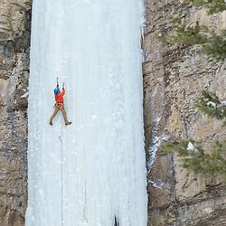 Aaron Mulkey climbing Ramshorn in Pilot Creek