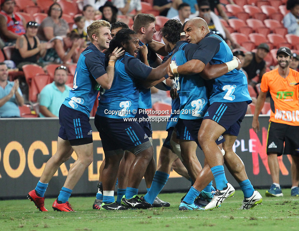 The Blues celebrate after winning the final match between the Hurricanes and the Blues during the Global Tens Tournament at Suncorp Stadium, Brisbane, Australia on February 10, 2018. Photo : Tertius Pickard / www.photosport.nz