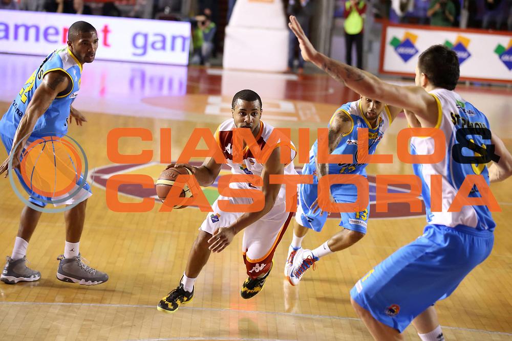 DESCRIZIONE : Roma Lega A 2012-13 Acea Roma Vanoli Cremona<br /> GIOCATORE :  Jordan Taylor<br /> CATEGORIA : palleggio<br /> SQUADRA : Acea Roma <br /> EVENTO : Campionato Lega A 2012-2013 <br /> GARA : Acea Roma Vanoli Cremona<br /> DATA : 03/03/2013<br /> SPORT : Pallacanestro <br /> AUTORE : Agenzia Ciamillo-Castoria/ElioCastoria<br /> Galleria : Lega Basket A 2012-2013  <br /> Fotonotizia : Roma Lega A 2012-13 Acea Roma Vanoli Cremona<br /> Predefinita :