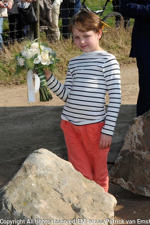 Prinses M&aacute;xima bij Nationale Viering van de 55ste Boomfeestdag in Oeffelt. Princess Maxima at the National Celebration of the 55th Boomfeestdag ( plant a tree day )in Oeffelt.<br /> <br /> Op de foto / On the photo:  Prinses Maxima komt aan / Prinses Maxima arrives