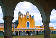 MEXICO, YUCATAN Izamal, Convent of St. Anthony