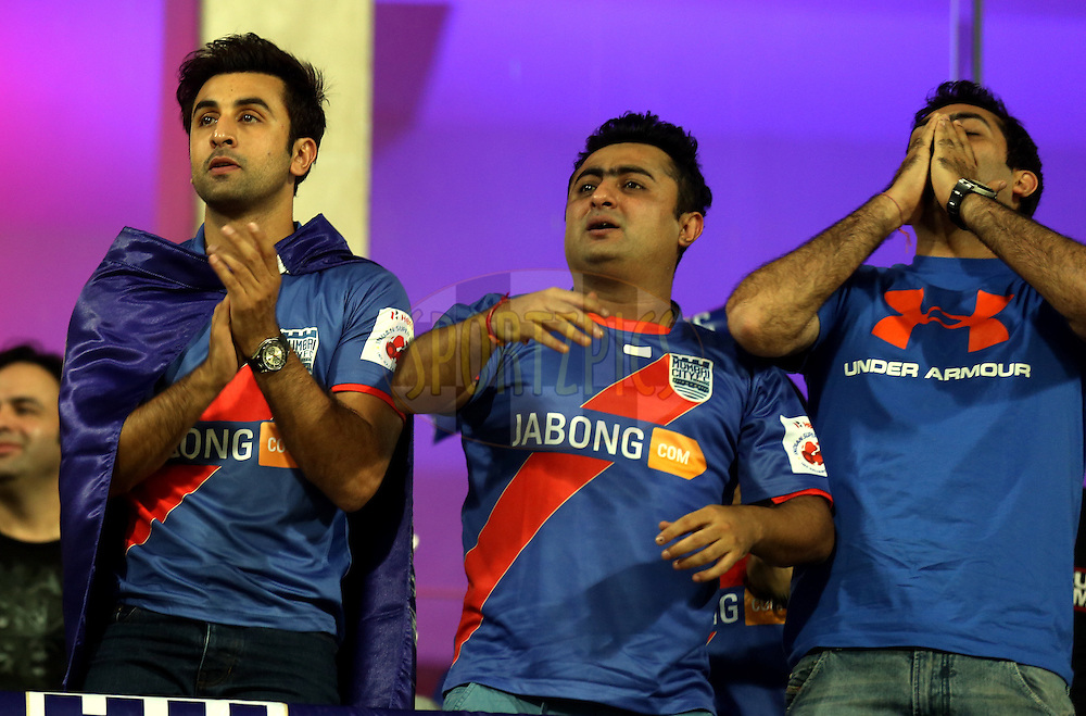 Ranbir Kapoor owner of Mumbai City FC(l) during match 22 of the Hero Indian Super League between Mumbai City FC and Delhi Dynamos FC City held at the D.Y. Patil Stadium, Navi Mumbai, India on the 5th November.<br /> <br /> Photo by:  Sandeep Shetty/ ISL/ SPORTZPICS