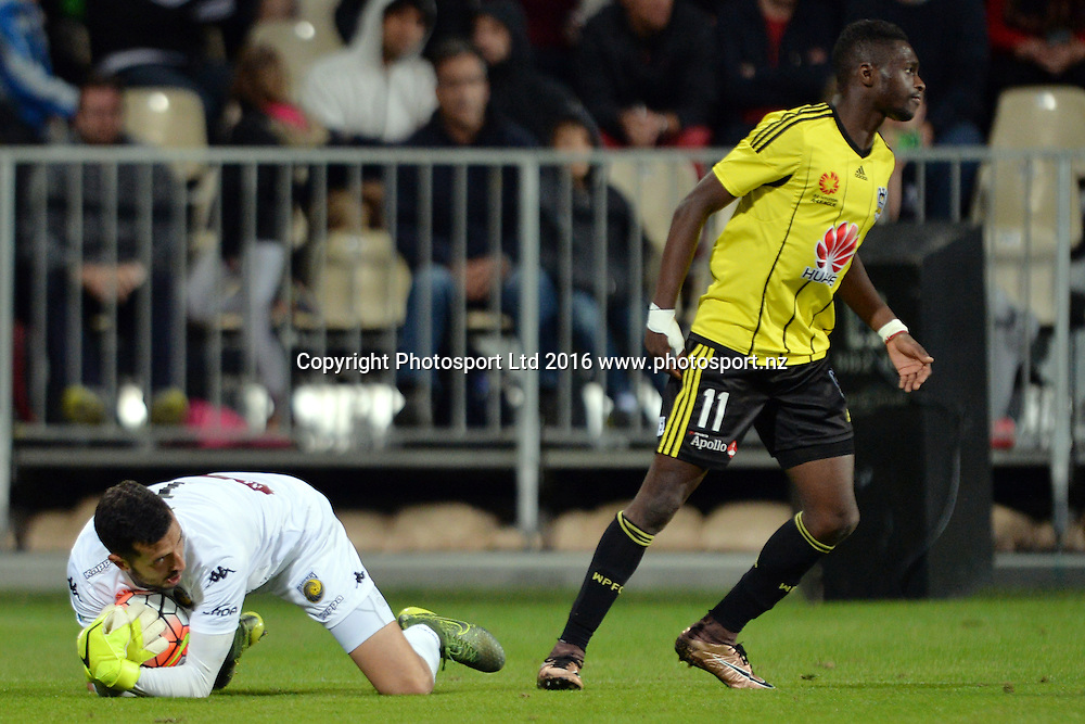Paul Izzo of the Mariners making a save and Kwabena Appiah-Kubi of the Phoenix reacting during the round 17 A-League match between the Wellington Phoenix and the Central Coast Mariners at AMI Stadium in Christchurch, New Zealand. 30 January 2016. Photo: Kai Schwoerer / www.photosport.nz