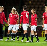 Fotball<br /> EM 2009 kvinner<br /> Semifinale<br /> Tyskland v Norge<br /> Foto: Jussi Eskola/Digitalsport<br /> NORWAY ONLY<br /> <br /> Lindy Melissa Wiik - Ingvild Stensland - Camilla Huse after loss