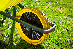 Puncture-proof tyre on wheelbarrow