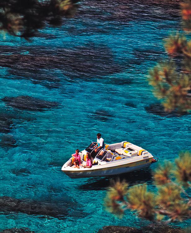 Lake Tahoe Scenic Family Boating