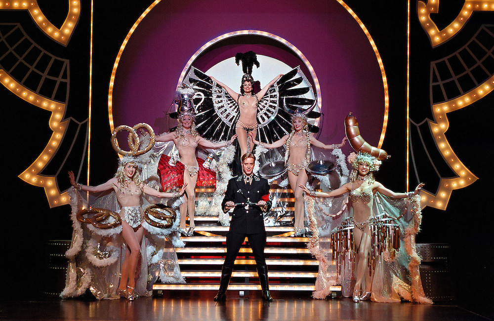 Eric Gunhus with Ladies Left to right:.Ida Gilliams,Angie L. Schworer, Cady Huffman, Tracy Terstriep and Naomi Kakuk.In THE PRODUCERS the New Mel Brooks Musical.Directed and Choreographed by Susan Stroman.CREDIT PHOTO © Paul Kolnik.