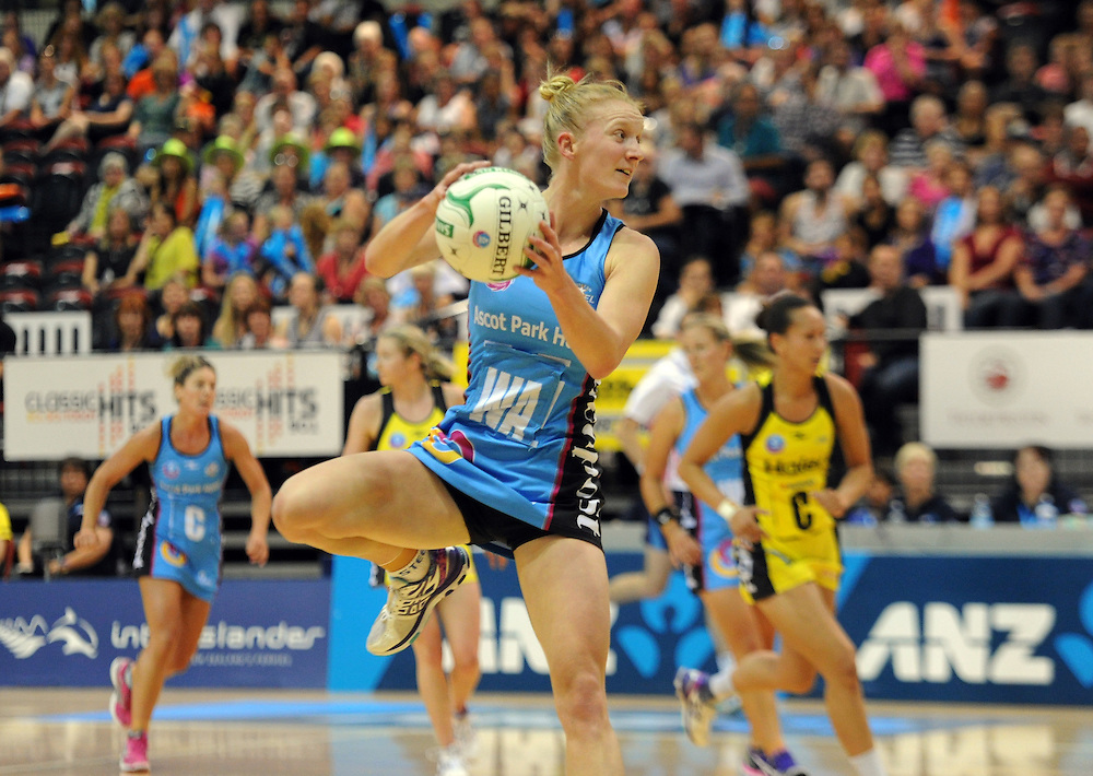 Steel's Shannon Francois against the Pulse in the ANZ Championship netball, TSB Bank Arena, Wellington, New Zealand, Saturday, March 08, 2014. Credit:SNPA / Ross Setford