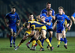 Tavis Knoyle of Newport Gwent Dragons goes past Max Stelling of Worcester Warriors - Mandatory by-line: Robbie Stephenson/JMP - 16/12/2016 - RUGBY - Rodney Parade - Newport, Wales - Newport Gwent Dragons v Worcester Warriors - European Rugby Challenge Cup