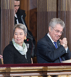 26.01.2017, Historischer Sitzungssaal, Wien, AUT, Parlament, 18. Bundesversammlung zur Angelobung des neuen Bundespräsidenten Van der Bellen, im Bild ehemaliger Bundespräsident von Österreich Heinz Fischer mit seiner Frau Margit // former Federal President of Austria Heinz Fischer with his wife Margit during inauguration ceremony for the new federal president of austria at austrian parliament in Vienna, Austria on 2017/01/26, EXPA Pictures © 2017, PhotoCredit: EXPA/ Michael Gruber