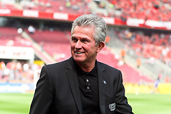 30.04.2010,  Rhein Energie Stadion, Koeln, GER, 1.FBL, FC Koeln vs Bayer 04 Leverkusen, 31. Spieltag, im Bild: Jupp Heynckes (Trainer Leverkusen) mit guter Laune   EXPA Pictures © 2011, PhotoCredit: EXPA/ nph/  Mueller       ****** out of GER / SWE / CRO  / BEL ******