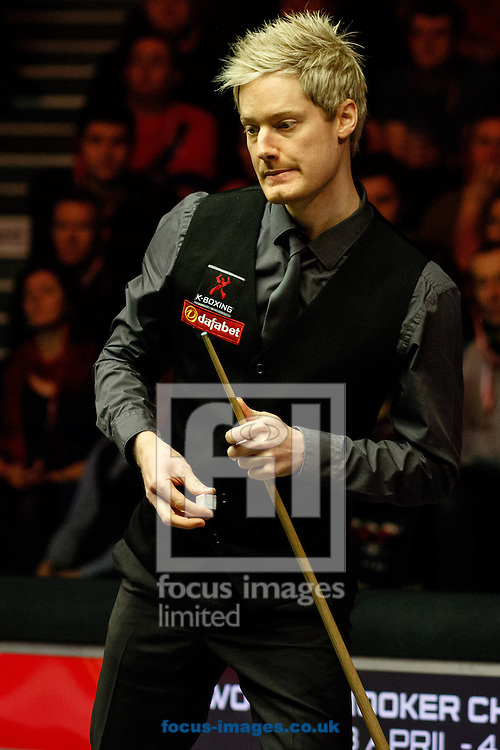 Neil Robertson during the first semi final of The Dafabet World Snooker Masters at Alexandra Palace, London<br /> Picture by Mark Chappell/Focus Images Ltd +44 77927 63340<br /> 17/01/2015