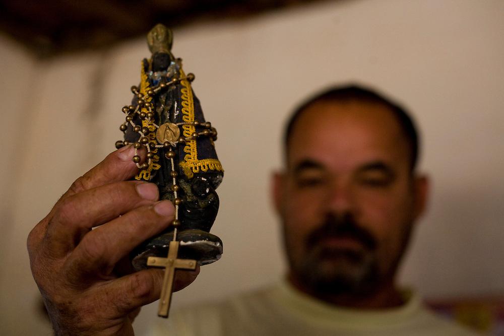 Sao Romao_MG, Brasil...Imagem de Nossa Senhora Aparecida em Sao Romao, Minas Gerais...Image of Nossa Senhora Aparecida in Sao Romao, Minas Gerais...Foto: JOAO MARCOS ROSA /  NITRO