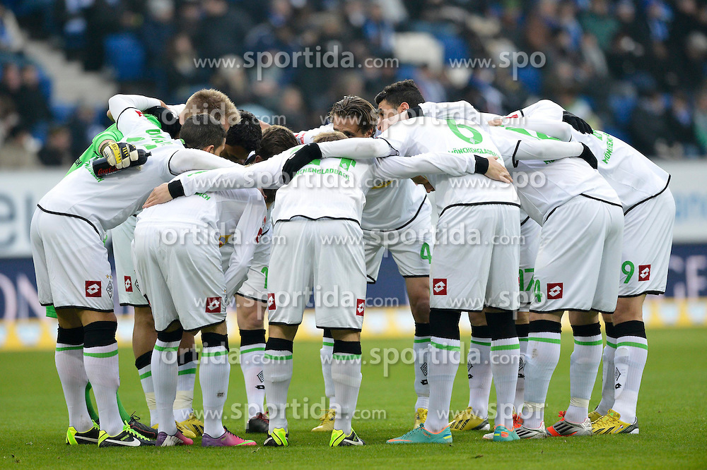 19.01.2013, Rhein Neckar Arena, Sinsheim, GER, 1. FBL, TSG 1899 Hoffenheim vs Borussia Moenchengladbach, 18. Runde, im Bild Mannschaft von Mönchengladbach schwört sich ein, bildet Kreis // during the German Bundesliga 18th round match between Bayer 04 Leverkusen and Eintracht Frankfurt at the BayArena, Leverkusen, Germany on 2013/01/19. EXPA Pictures © 2013, PhotoCredit: EXPA/ Eibner/ Weber..***** ATTENTION - OUT OF GER *****