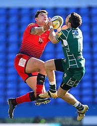 Bryce Heem of Worcester Warriors jumps for the ball with James Marshall of London Irish - Mandatory by-line: Robbie Stephenson/JMP - 25/02/2018 - RUGBY - Madejski Stadium - Reading, England - London Irish v Worcester Warriors  - Aviva Premiership