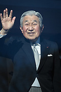 Japanese Emperor Akihito waves to well-wishers during a public appearance for New Year celebrations at the Imperial Palace in Tokyo, Japan, January 2, 2018. 02/01/2018-Tokyo, JAPAN