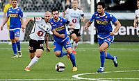 Fotball , 20 . august 2017 , Eliteserien , <br /> Odd - Sandefjord<br /> Enric Prat (th) , sandefjord<br /> Jone Samuelsen  , Odd<br /> Pau Morer Vicente , Sandefjord (midten)