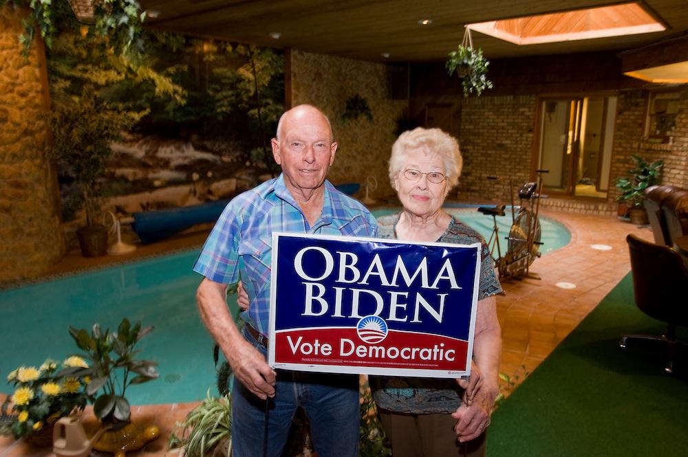 Demokraten Ehepaar Dean und Nelda Slaughter in ihrem unterirdischen Haus..Republikaner-Hochburg Perryton, Texas. ..© Stefan Falke