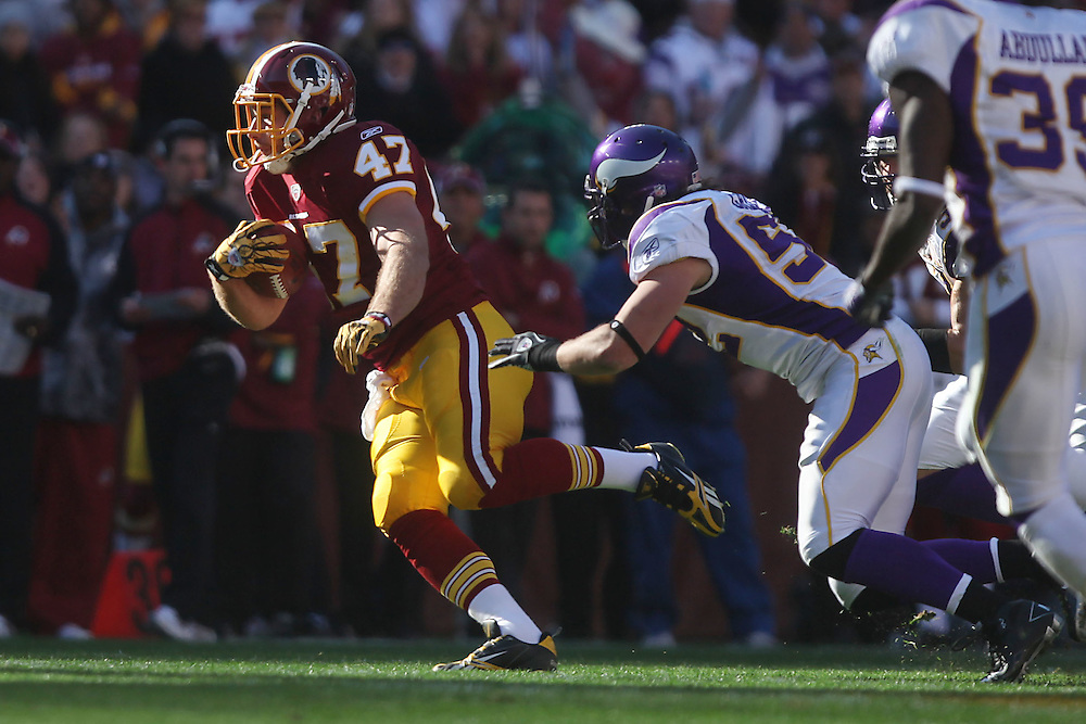 Landover, Md., Nov. 28, 2010 - Redskins vs. Vikings - #47 Chris Cooley with a reception in the 1st quarter. (Photo by Jay Westcott/TBD)