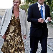 BEL/Brussel/20101120 - Huwelijk prinses Annemarie de Bourbon de Parme-Gualtherie van Weezel en bruidegom Carlos de Borbon de Parme, Ferry Mingelen en Annejet Philipsen-Paalman