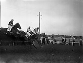 1962 - Racing At Leopardstown.   C12.