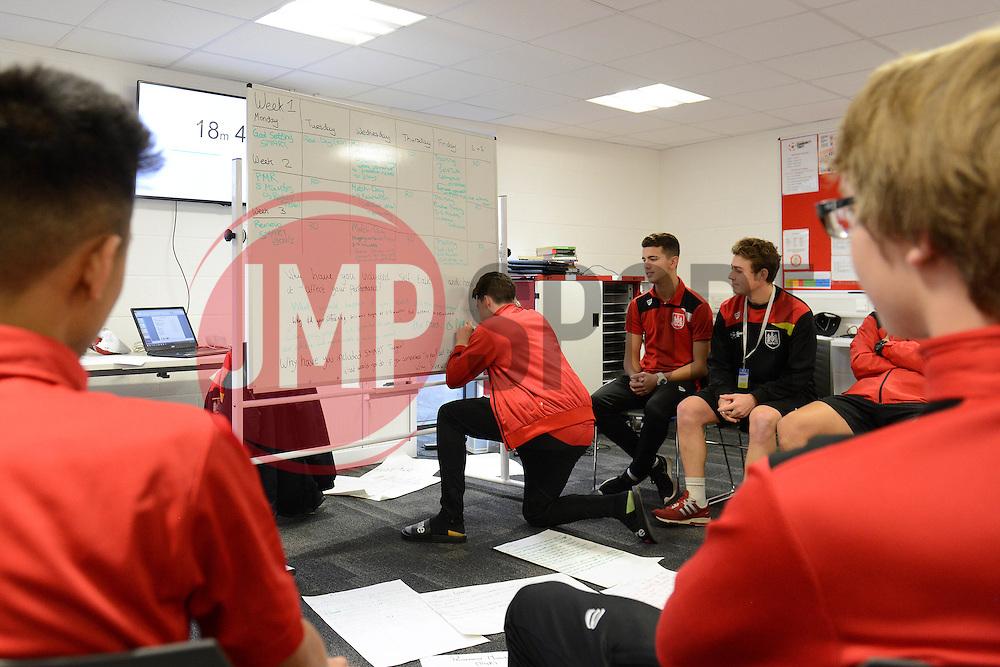 - Mandatory byline: Dougie Allward/JMP - 20/11/2015 - FOOTBALL - Ashton Gate - Bristol, England - BTEC Football