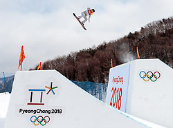 11.02.2018, Phoenix Snow Park, Bokwang, KOR, PyeongChang 2018, Slope Style, Damen, Qualifikation, im Bild Jamie Anderson (USA) // Jamie Anderson of the USA during the ladie's Slope Style Qualification of the Pyeongchang 2018 Winter Olympic Games at the Phoenix Snow Park in Bokwang, South Korea on 2018/02/11. EXPA Pictures © 2018, PhotoCredit: EXPA/ Johann Groder