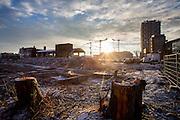 De bouwplaats bij het Zijdebalenterrein in Utrecht. Op de plek worden appartementen gebouwd. Een oud woningblok is gesloopt.<br /> <br /> The construction area at the Zijdebalen in Utrecht. New apartments will be made, older ones are demolished.