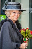 Prinses Beatrix der Nederlanden is aanwezig bij de jubileumbijeenkomst van het Reumafonds ter gelege