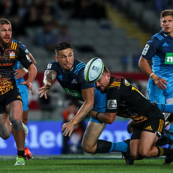 Sonny Bill Williams of the Blues offloads during the Super Rugby Match between the Blues and the Chiefs at Eden Park in Auckland, New Zealand on Friday 26  May 2017. Photo: Simon Watts / www.lintottphoto.co.nz